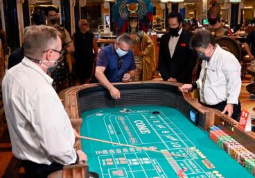 Craps dans le Massachusetts : les casinos libèrent de la place pour les joueurs